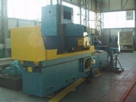 Surface grinding machine with rectangular table and horizontal spindle 3d725 1