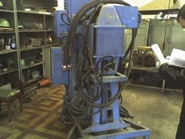 Spot-welding machine MTPG150_2 before repair 1