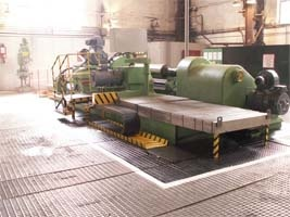 Farell roll-grinding machine
