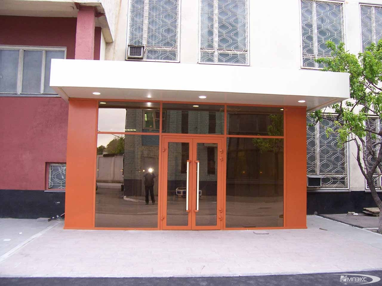 Entrance unit to the hostel