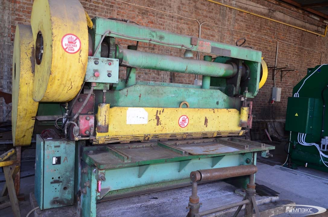 Guillotine shears for sheet metal N3121 2