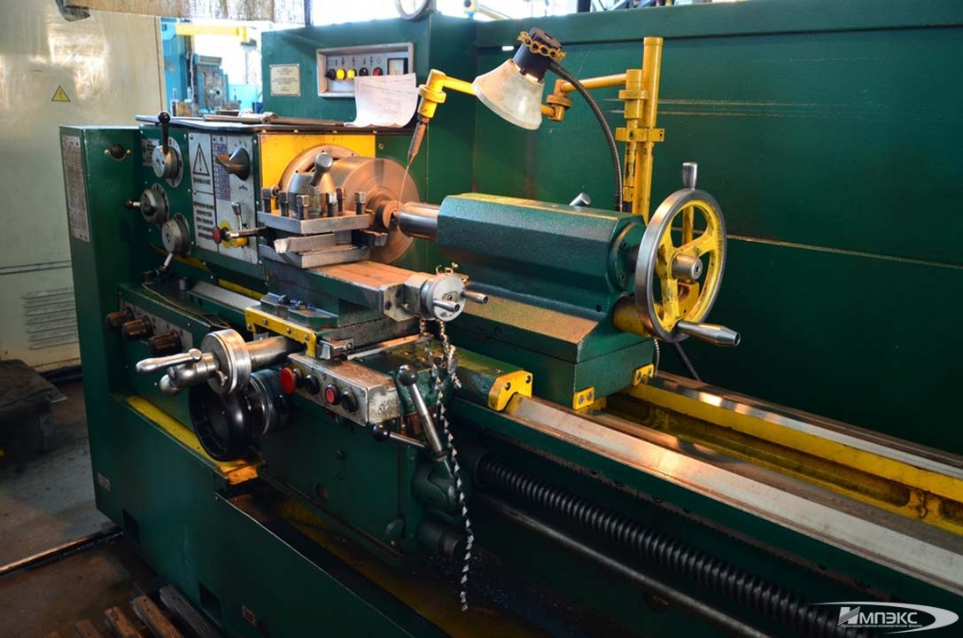 Turning lathe model 16D25 2