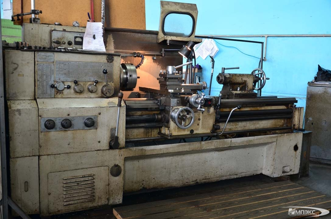 Universal turning lathe model KА-280 2